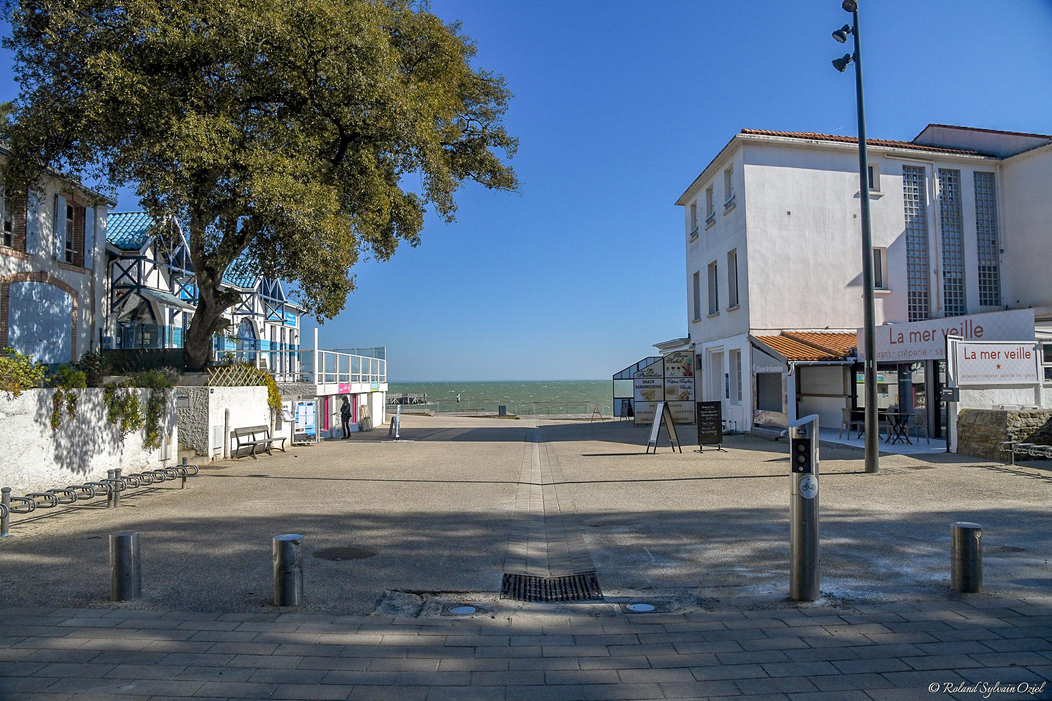 Cafés et restaurants donnant sur la plage des dames noirmoutier bois de la chaise