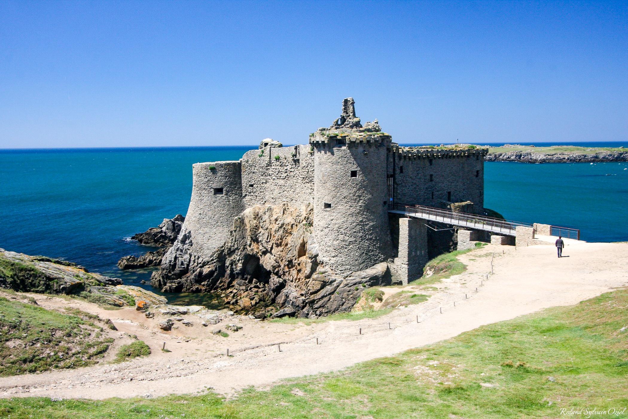 Le vieux chateau sur l'ile d'yeu monument à visiter impérativement