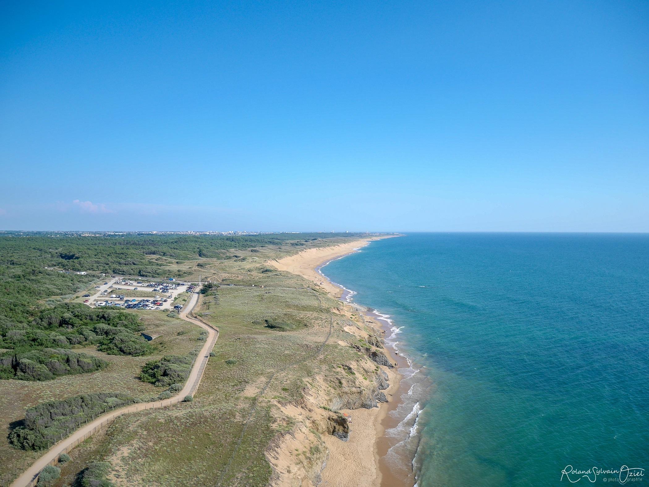 plage de sable fin sauvage aux sables d'Olonne