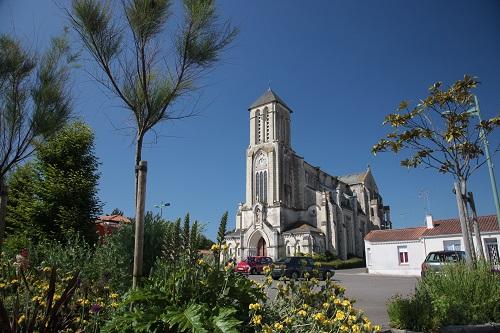 église  St Julien des Landes